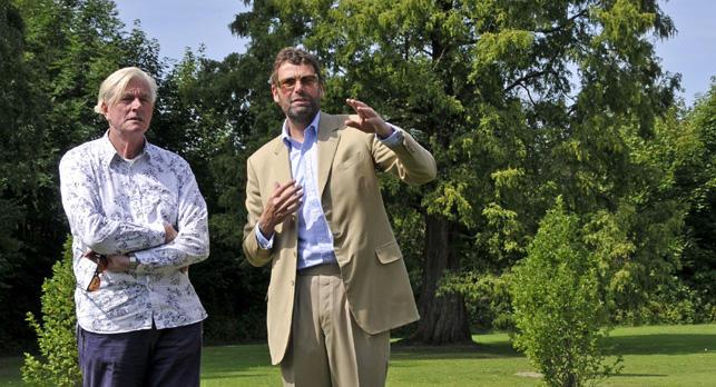 Piet Oudolf mit Marcus Graf von Oeynhausen-Sierstorpff. Fotocredit: Gräflicher Park