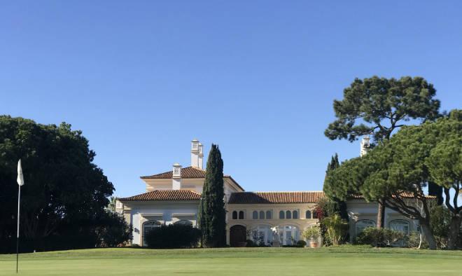 Von einer Immobilie am Golfplatz träumen die meisten.