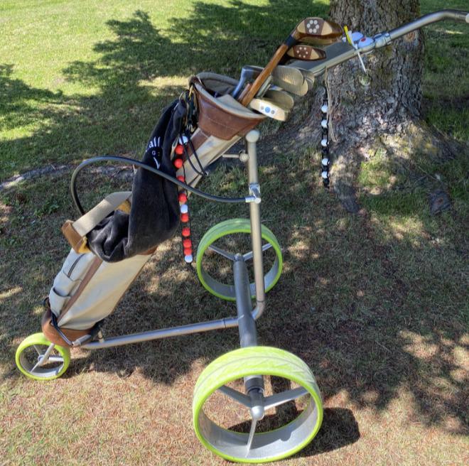 Hickory-Golfschläger gelten als begehrte Sammlerstücke. Manche Golfer spielen die 100 Jahre alten Schläger auch noch sehr gern. Fotocredit: ExklusivGolfen