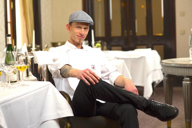 Im Spa-Bistro mit offener Küche verzichtet Küchenchef Boris Rommel völlig auf Braten und Frittieren. Die neue Karte setzt auf Urkraftsuppen, Pokebowls mit Fisch und vegetarische Buddhabowls.